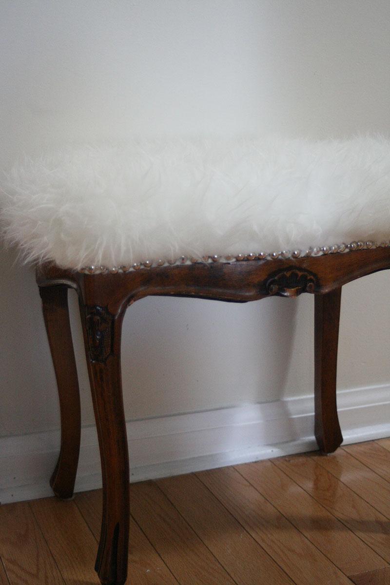 flufy bench